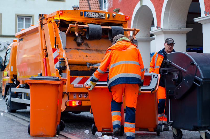Община Радомир избира фирма за сметосъбиране
